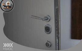 Законна ли установка тамбурной двери на лестничной площадке?